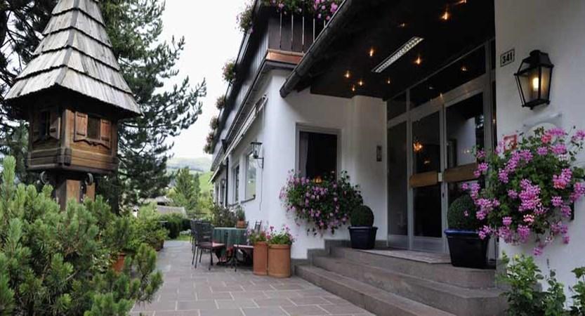 Boutique Hotel Pralong, Selva, Italy - entrance.jpg