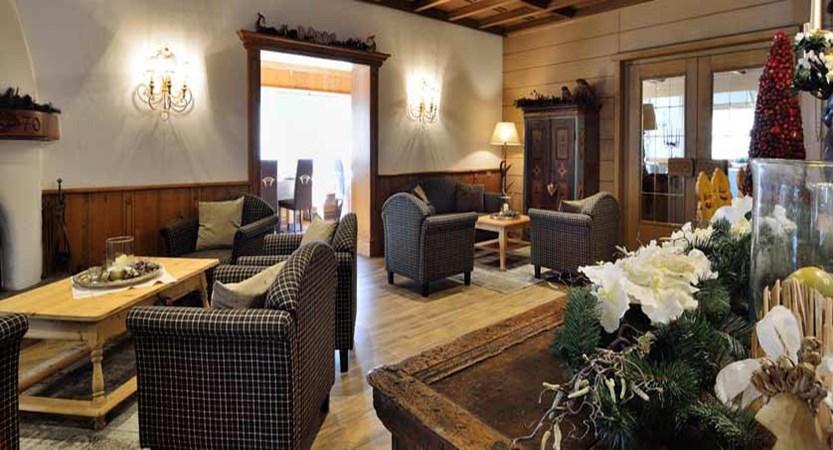 Boutique Hotel Pralong, Selva, Italy - lobby.jpg