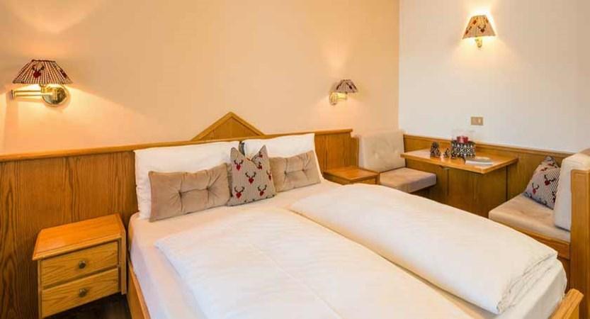 Hotel Linder, Selva, Italy - bedroom.jpg