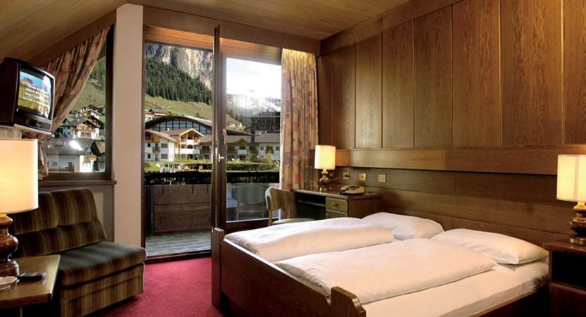 Hotel Oswald, Selva, Italy - bedroom with balcony.jpg