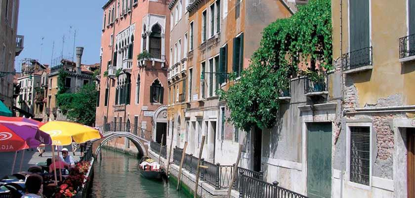 Casa Nicolo' Priuli, Venice, Italy - exterior.jpg