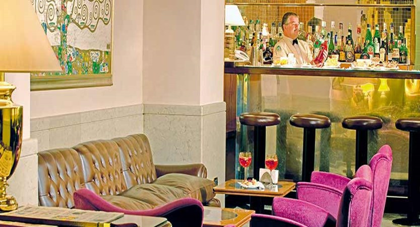 Hotel Accademia, Verona, Italy - bar.jpg