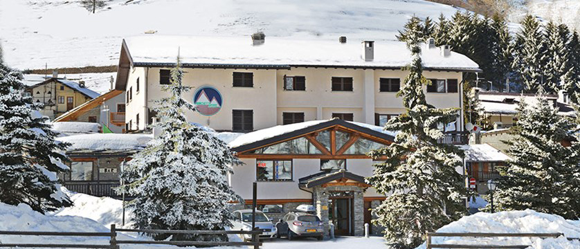 Banchetta Apartments - self-catering ski apartment holidays