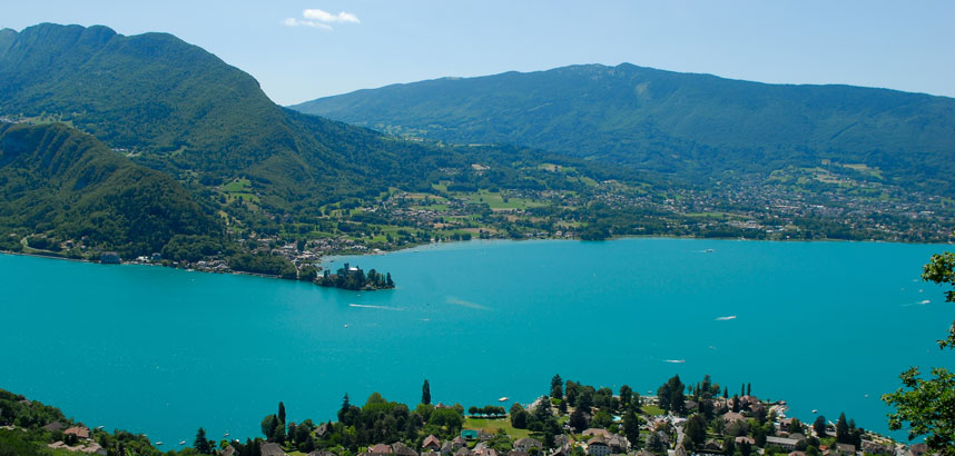 Walking holidays in Lake Annecy, France