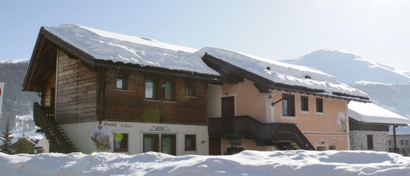 Al Gal Apartments - self-catering ski apartment holidays